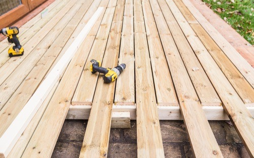 Carpenter In Dudley, Building outdoor decking, hire a builder.